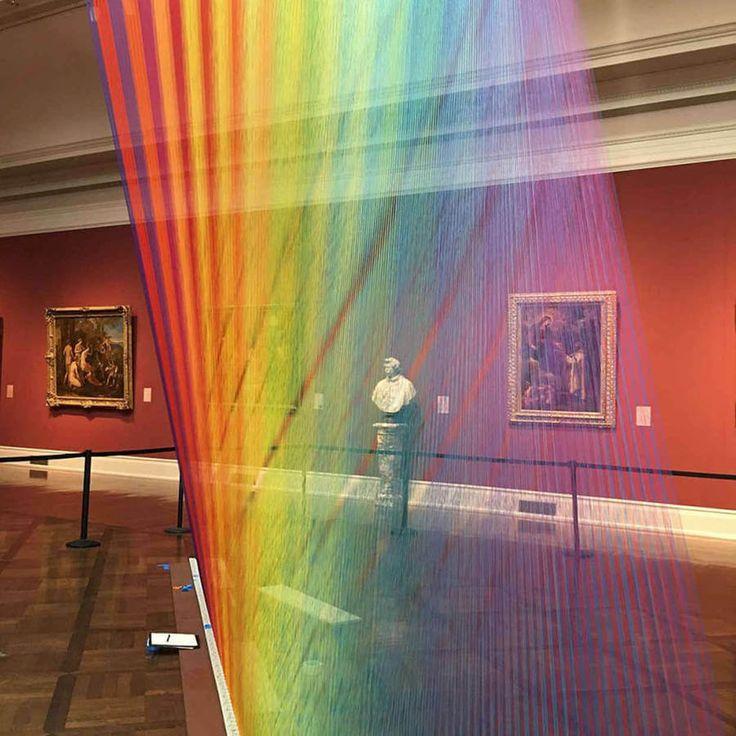 Het werk van de Mexicaanse kunstenaar Gabriel Dawe is regelmatig te zien in het museum, maar het Toledo Museum doet het net even anders. via @mixedgrill