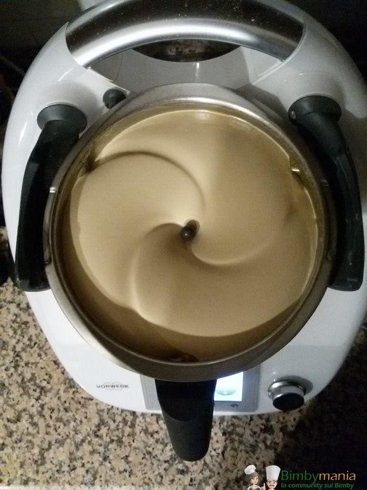 Crema al caffè Bimby, una crema di caffè bella densa e non liquida per chiudere in bellezza un bel pasto! Ingredienti per 6 persone: 200 gr di cubetti ...