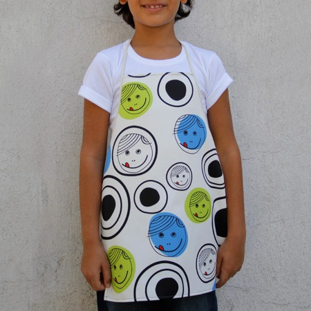 Happy boys and girls! Kids are wearing their biggest smile and make mommy crazy! Kid aprons with style.