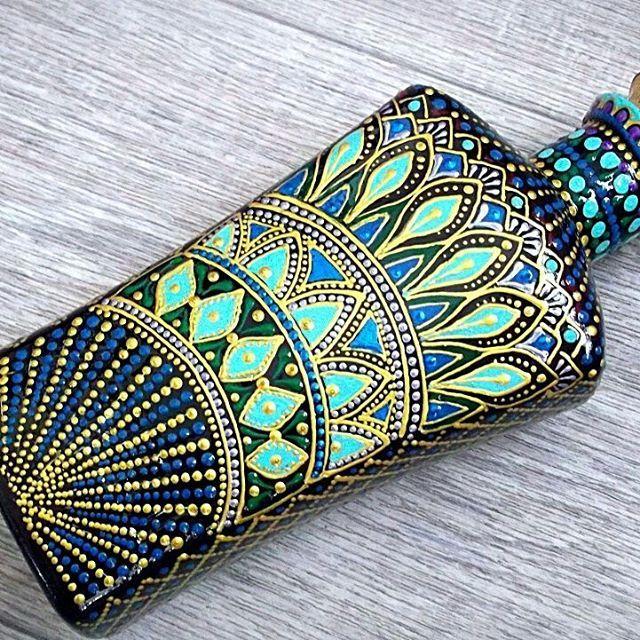 Бутылка #точечнаяросписьконтурами #точкакточке #росписьбутылок #бутылка