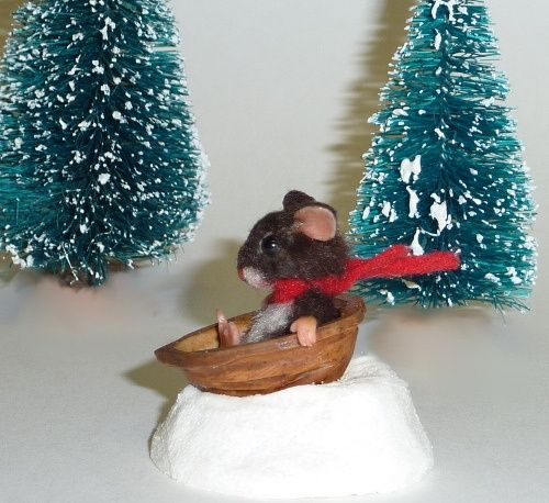 walnut shell crafts | Miniature Mouse  Walnut Shell Sled | craft walnut