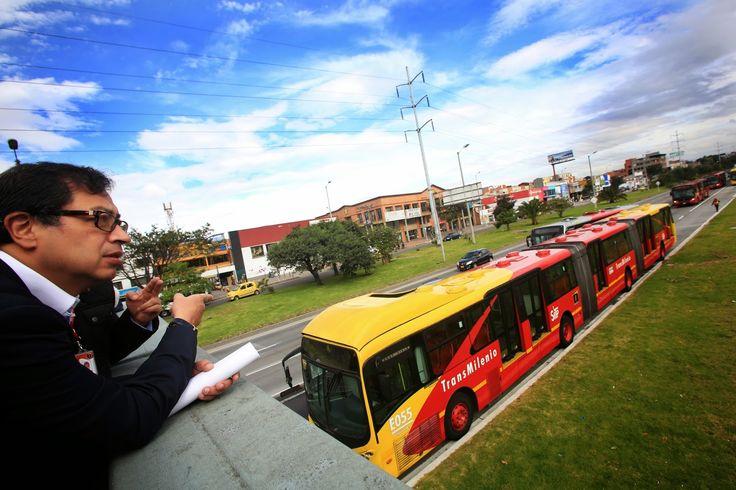 Notas de Acción: Alcalde Petro anuncia ampliación de cinco estacion...