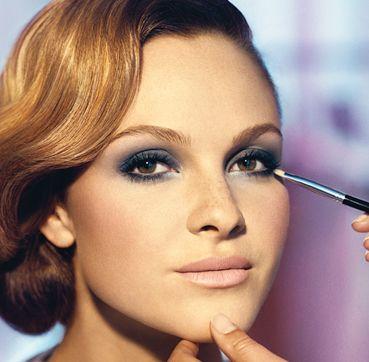Best 25+ Navy blue eyeshadow ideas on Pinterest | Navy makeup ...