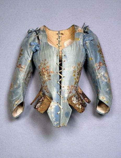 Corpetto femminile, Italia, sec. XVIII. Gros de Tours liseré broccato. Courtesy Museo Stibbert, Firenze