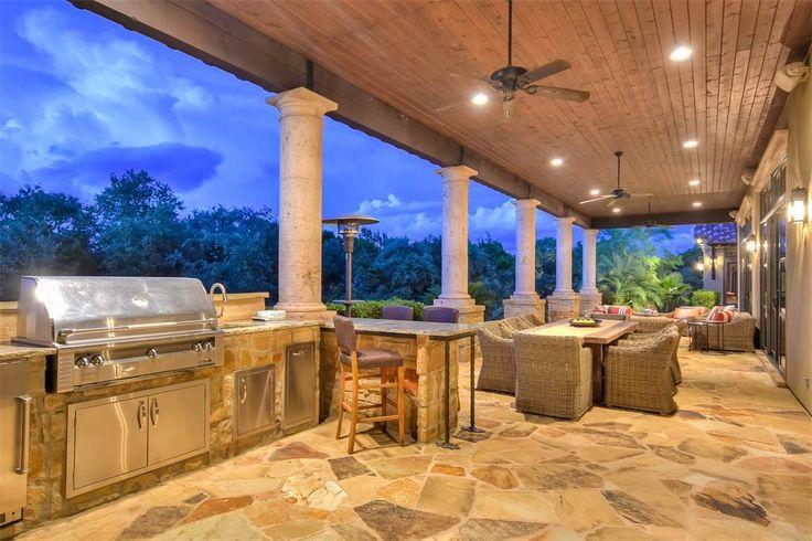 Breathtaking Estate in Greystone Estates   19418 Settlers Creek   San Antonio, Texas 78258