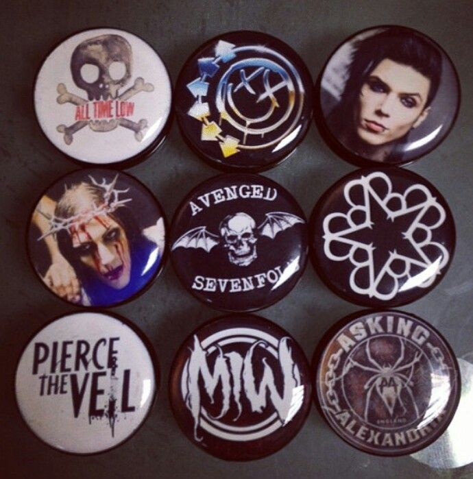 Band plugs, gauges, stretched ears, stretched lobes, tappers