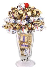 Chocolate Candy Bar Sundae