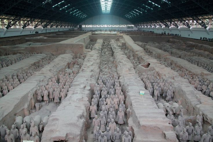 About 8,000 Terracotta Warriors were buried in three pits less than a mile to the northeast of the mausoleum of the First Emperor of China, Qin Shi Huangdi. . Now new research, including newly translated ancient records, indicates that the construction of these warriors was inspired by Greek art.