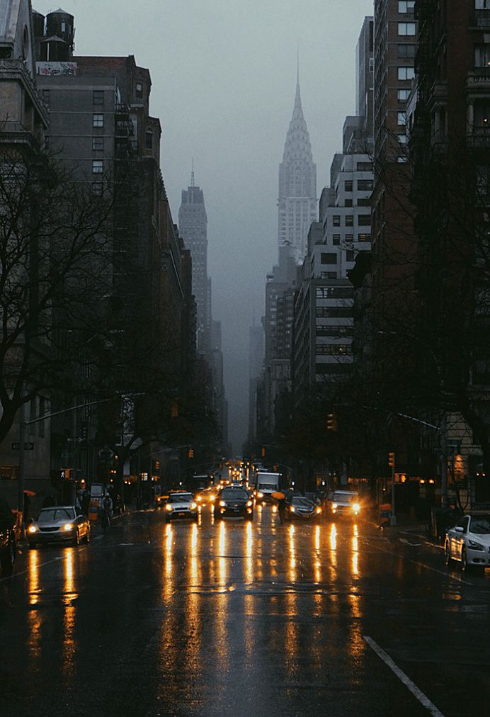 Oh shit! It's raining...wait, in New York is so beautiful anyway. Grey skies on Lexington Avenue | Ruslan Pelykn, December 2014
