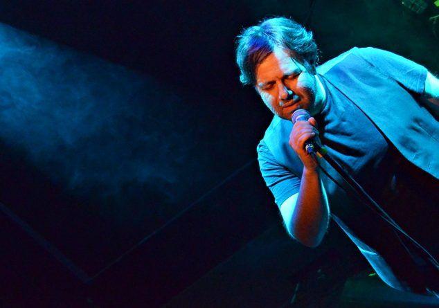 Ο Μάνος Πυροβολάκης σε μία ξεχωριστή βραδιά στη μουσική σκηνή Σφίγγα   E-Raporto