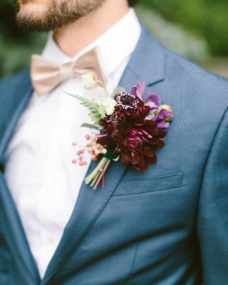 Bom dia amores! A gravata borboleta vocês já sabem fazer agora só falta essa flor de lapela marsala  lindo né?