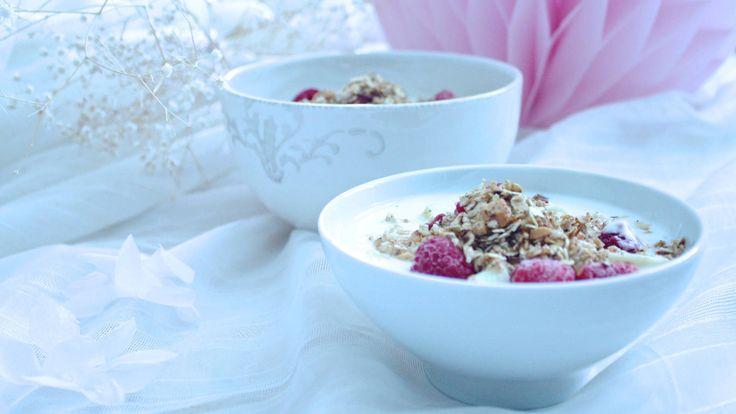 Healthy homemade treat for breakfast!   #breakfast #food #love #healthy #inspiration #delicious #berries #dessert #interiordesign