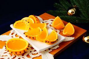 Фото к рецепту: Апельсиновое желе  Новогоднее