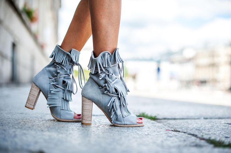 #rpolanskishoes #bohostyle #fringesandals #fashiondetails