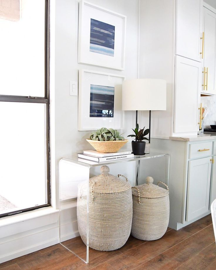 stylish lucite table in this small entry way xtraroom rh pinterest com