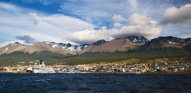 http://i.images.cdn.fotopedia.com/flickr-2307309482-original/Argentina/RegionsProvincesTowns/Patagonia/Tierra_del_Fuego/Ushuaia/Ushuaia_Tierra_del_Fuego_Argentina..jpg