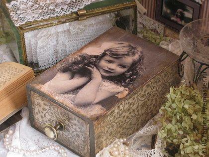 `Мечты....` Шкатулка.. Винтажная шкатулочка для хранения украшений или других мелочей. Выполнена в технике декупаж.