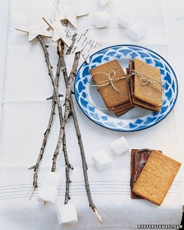 Pretty s'mores sticks from Martha Stewart Living: Wands, Smore Sticks, S More Sticks, Outdoor Parties, Fun Ideas, Parties Ideas, Stars Tops, Martha Stewart, Marshmallows