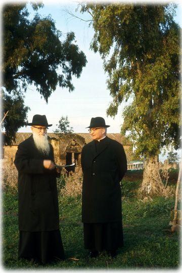P. José Kentenich con el P. Alex Menningen en Belmonte