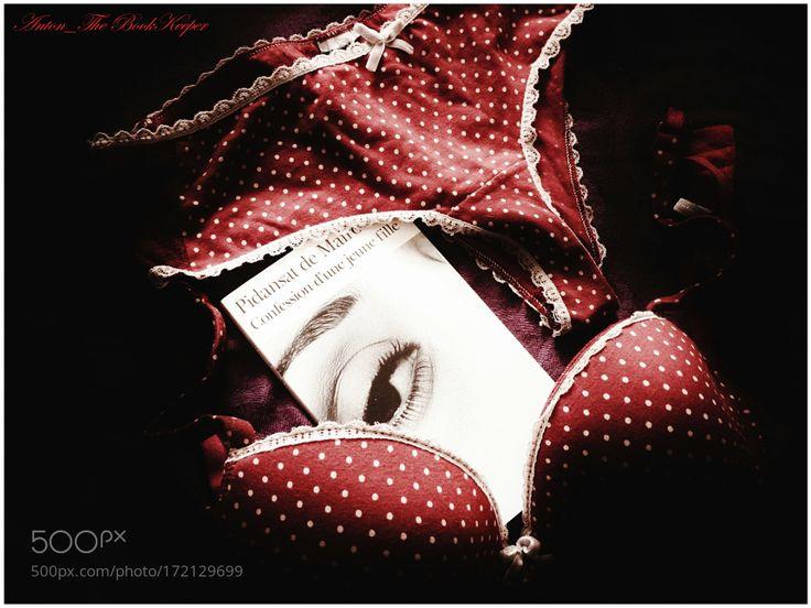 Confession d'une jeune fille. by bookanton