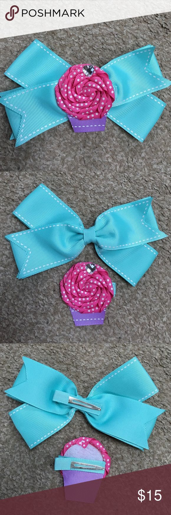 2-1 home made cupcake hair now clips Scrumptious little cupcake atop a little bow two in one homemade hair bows can be worn together or apart!! Accessories Hair Accessories