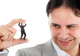 Ley del éxito  La arrogancia, que suele acompañar al éxito, es el enemigo número uno del marketing.  Se corre el peligro de perder el contacto con la realidad.
