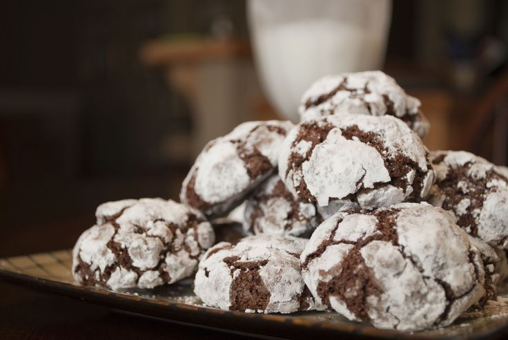 mexican chocolate crinkle cookies | food I think looks good but lets ...