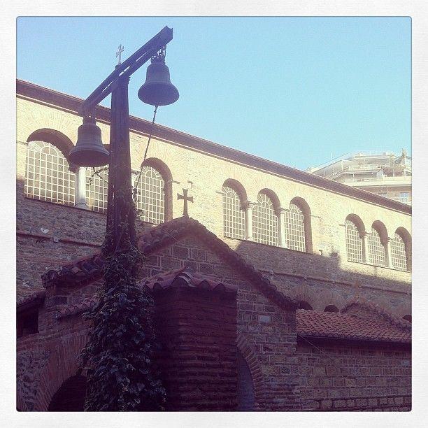 The south entrance of Acheiropoietos Byzantine church. (Walking Thessaloniki - Route 03, St Sofia)