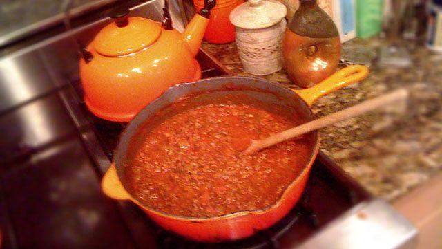 Chef Anthony Thomas' Roasted Garlic and Spaghetti Sauce: Chef Anthony
