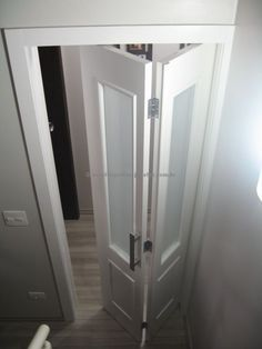 Porta camarão com pintura de laca P.U branco fosco (Sayerlack) - Ecoville Portas Especiais