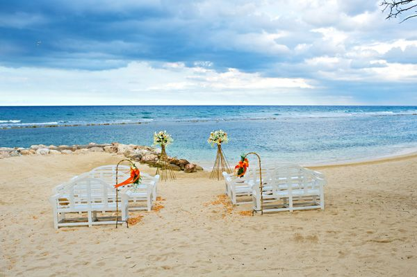half moon weddings in jamaica   in jamaica is a pretty tough task but it did help that i was familar ...