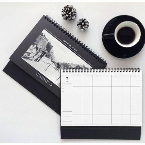 Seeso the Photo undated desk monthly planner scheduler