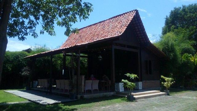 Omah Osing at pendopo Bianyuwangi