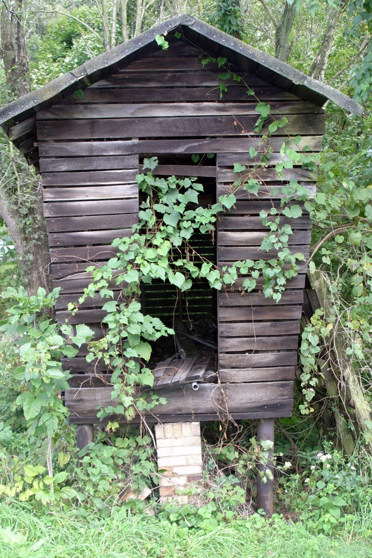 160 best images about old farm buildings on pinterest for Old farm chicken coops