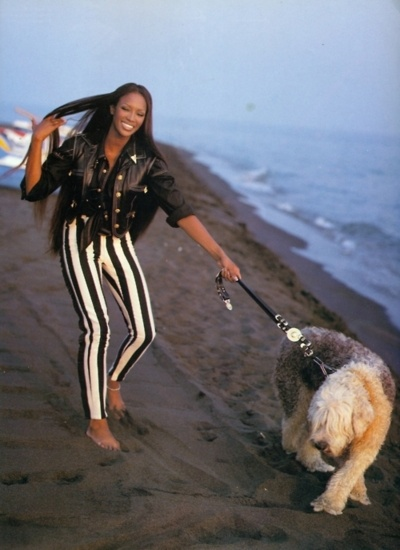 this 90s super model and her dog