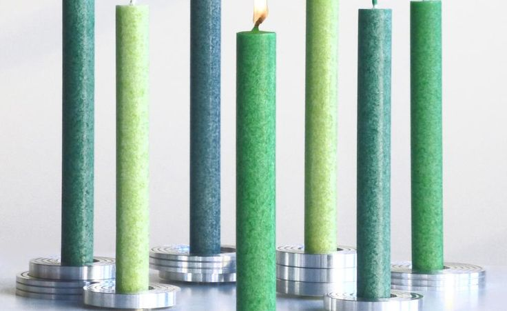 Stilvolle Kerzen in der Trendfarbe Grün von AMABIENTE