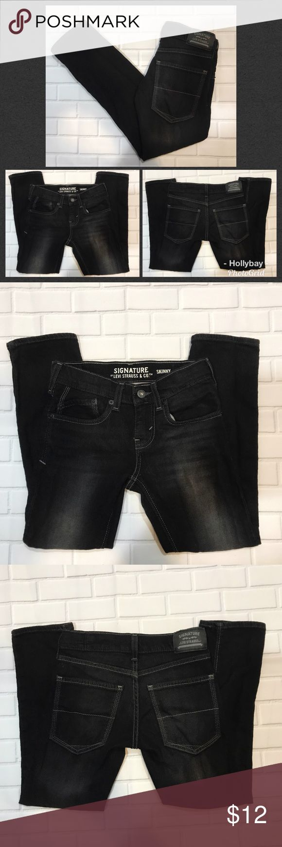 Boys signature Levi Skinny Black Jeans Size 10R Great pair of Boys Black Levi Signature skinny jeans size 10R. Inseam 22 in. Cotton/ Poly mix for comfort.. Jeans feel like sweatpants Levi's Bottoms Jeans