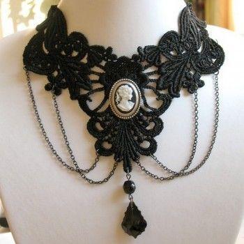 Collier de style gothique victorien médiéval en dentelle vénitienne