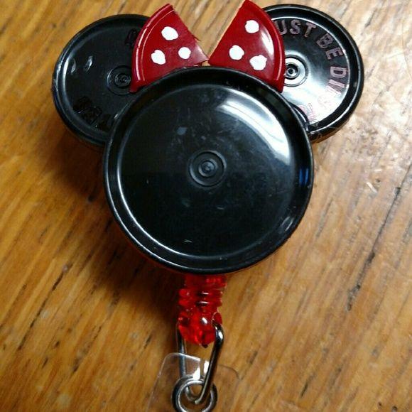 Minnie Mouse medicine vial cap badge holder