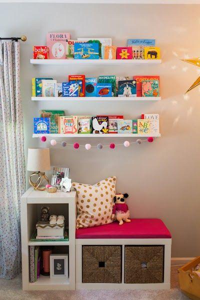 Ikea hack from Proyect Nursery. precioso rincón de lectura