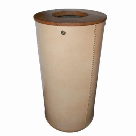 Lækker kvalitets vasketøjskurv - Håndlavet i kraftig kernelæder pris 3.975,00 kr.
