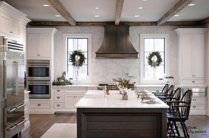 Интерьер и дизайн кухни с двумя окнами: большие и маленькие окна на фото