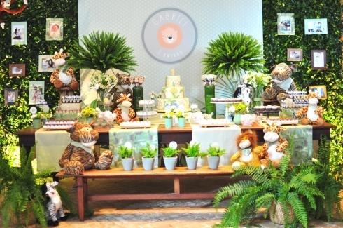 Mesa decorada Safari! by www.partyinc.com.br