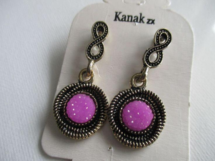 Indijas klasiskie auskari rozā krāsā. Izmers - 1.7cm * 3,8cm.  http://www.daimar.lv/veikals/params/category/11958/