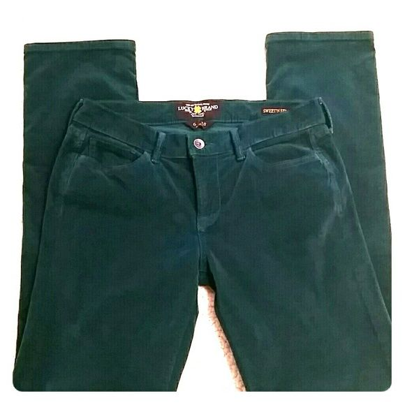"""Dark Green Corduroy Lucky Brand Jeans Perfect for St. Patrick's Day coming up, these gorgeous dark green corduroy Sweet n' Straight jeans by Lucky Brand have zip and button closure and open back pockets.  Longer length with inseam measuring 31"""", mid rise, very soft, never worn.  From my smoke free home. Lucky Brand Pants Straight Leg"""
