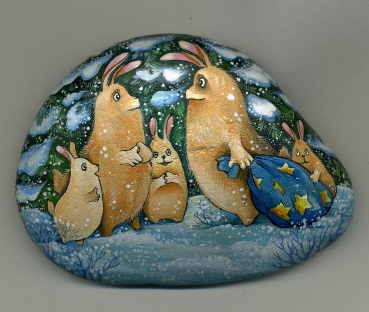 #stone #rabbits #handpainted #acrylic #winter #newyear #булыжник #камень #галька #кролики #новыйгод #ручнаяработа #росписьнакамне