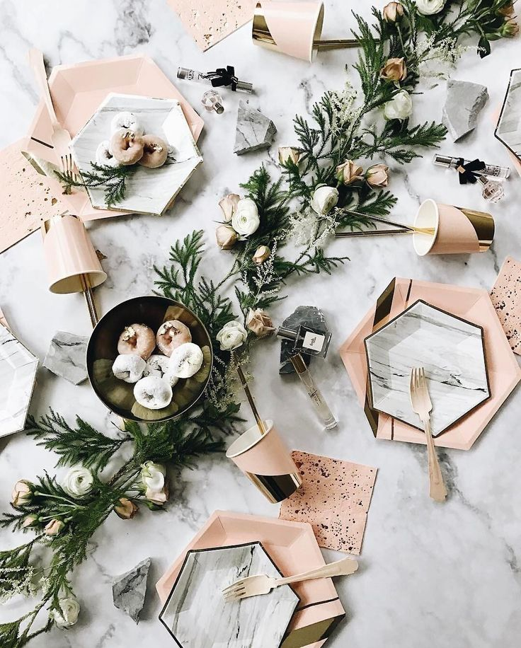 The prettiest table props #everydayIBT by @24_east