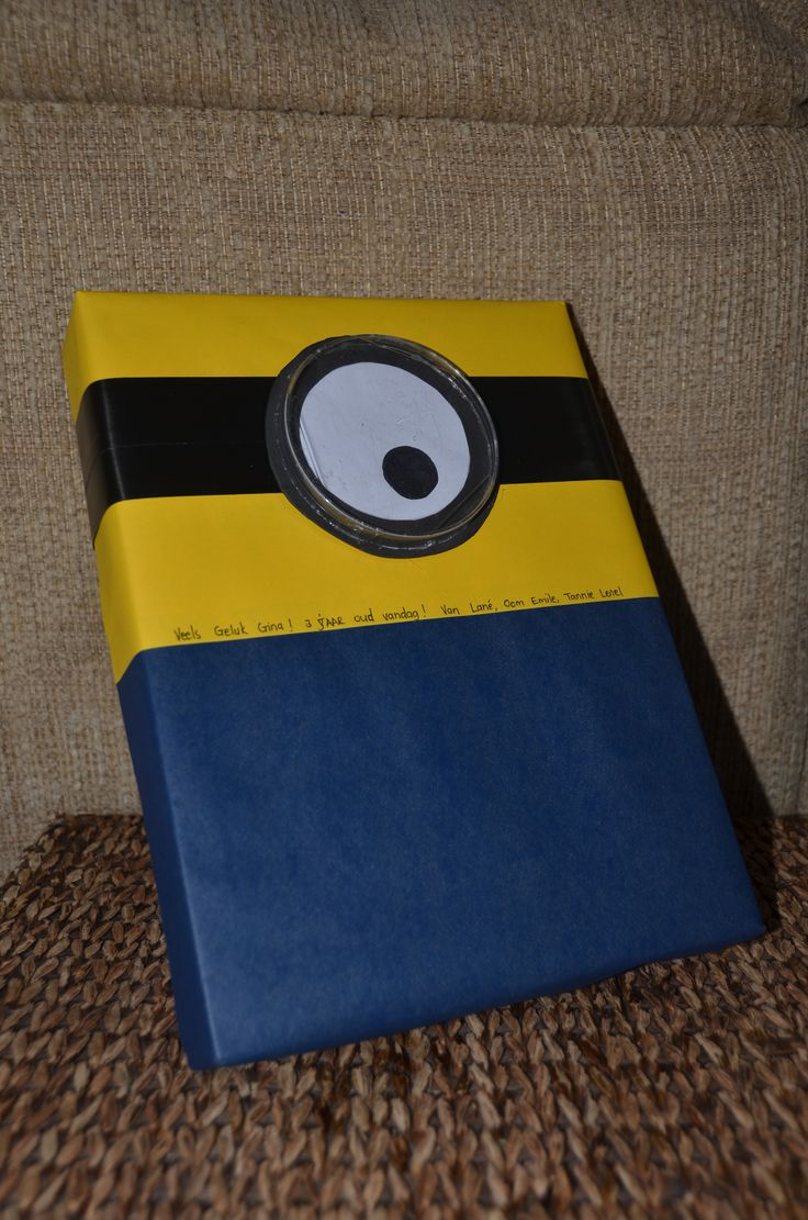 Minion gift wrapping