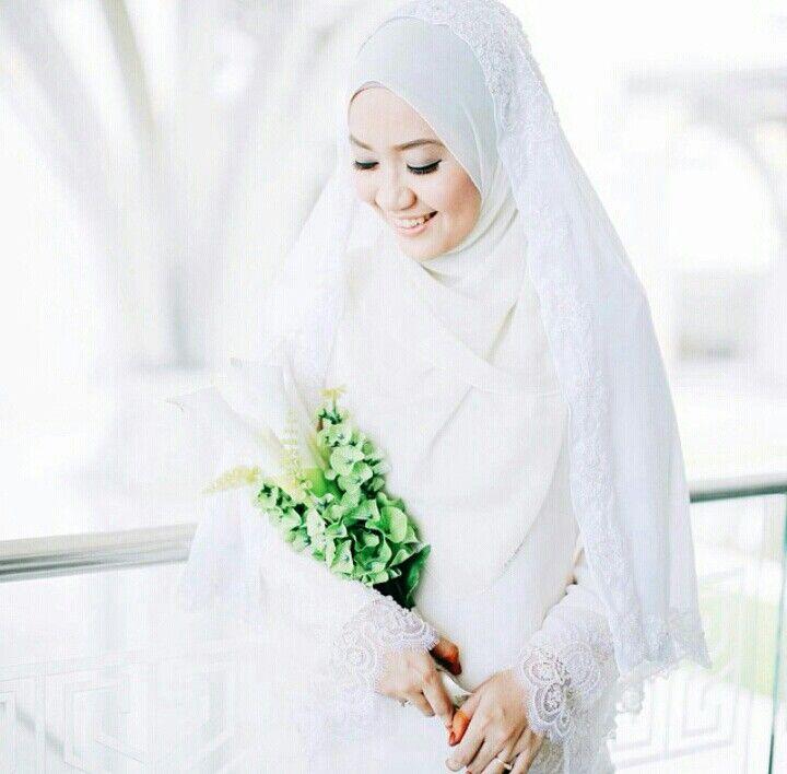 Lovely bride @weddingsbyfauzan