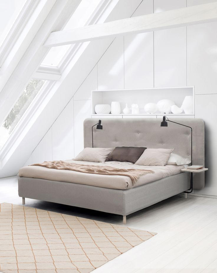 Jensen Nordic Line with Portrait headboard. Add on bedside table in white washed and the Jensen lamp.